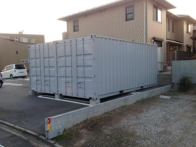 20フィート2連結コンテナ倉庫斜めから
