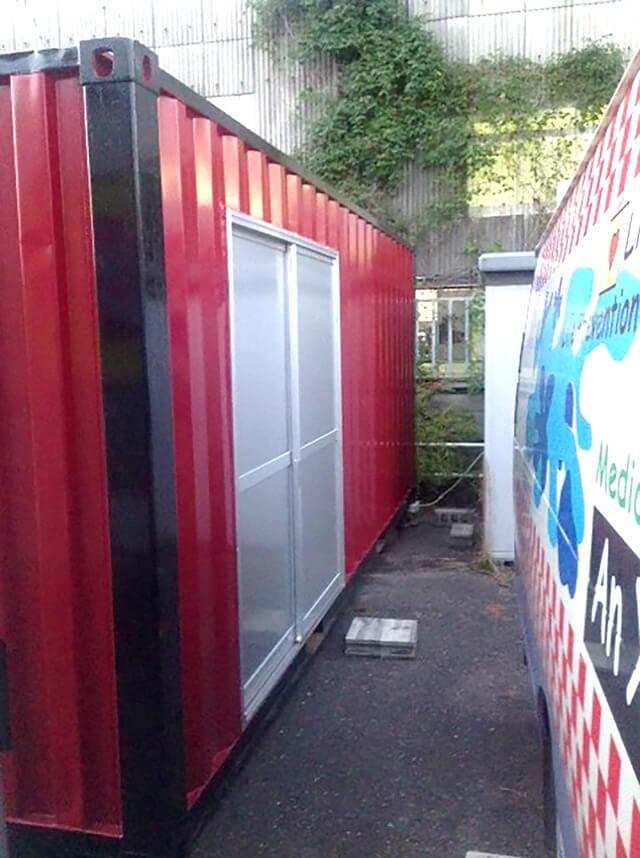 20フィート ハイキューブコンテナを使った事務所の側面入り口