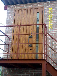 コンテナオフィス(2階建て) 2階入り口
