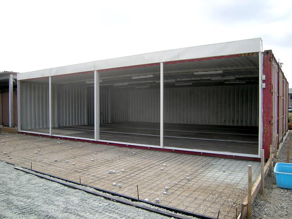 40フィートコンテナ 4連結全面フルシャッターコンテナ倉庫 オープン時