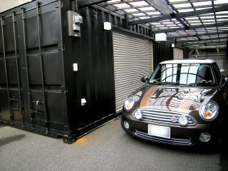 駐車スペース&コンテナガレージwith自動車2