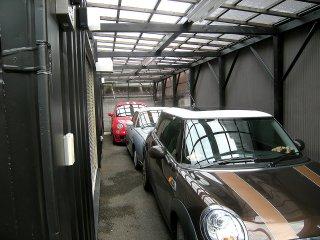 駐車スペース&コンテナガレージwith自動車3