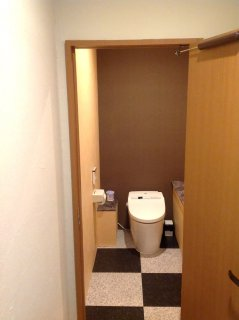 40フィート店舗型コンテナバー(BAR) トイレ