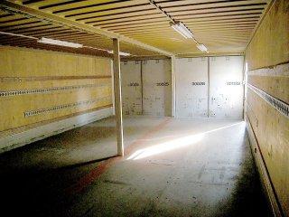 40フィートコンテナ2連結 コンテナ倉庫内観