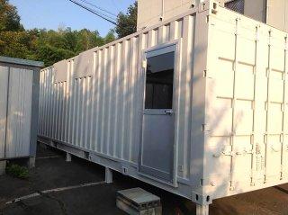 40フィートコンテナ2連結 倉庫側面入り口