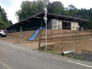 コンテナを使った馬の厩舎 側面3