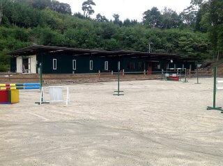 コンテナを使った馬の厩舎 zentai