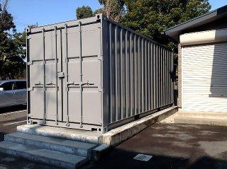 防災備蓄倉庫としてのコンテナ倉庫利用 観音開き扉正面