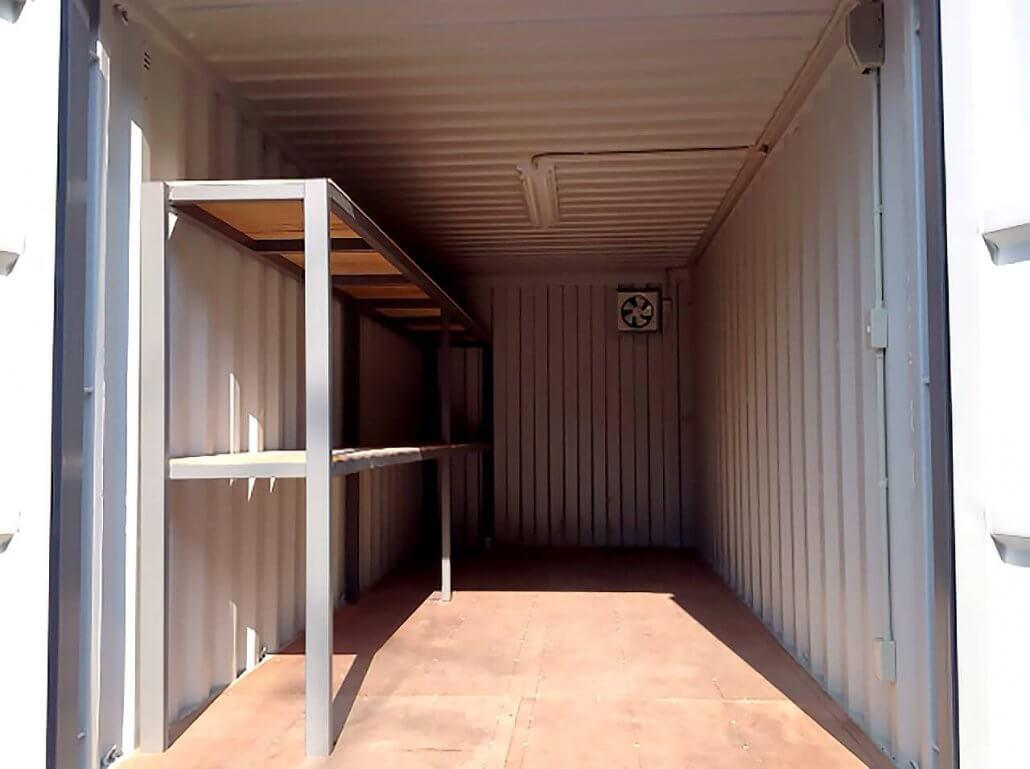 防災備蓄倉庫としてのコンテナ倉庫利用 内観