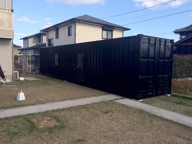 自宅敷地内に40フィートコンテナ倉庫を設置