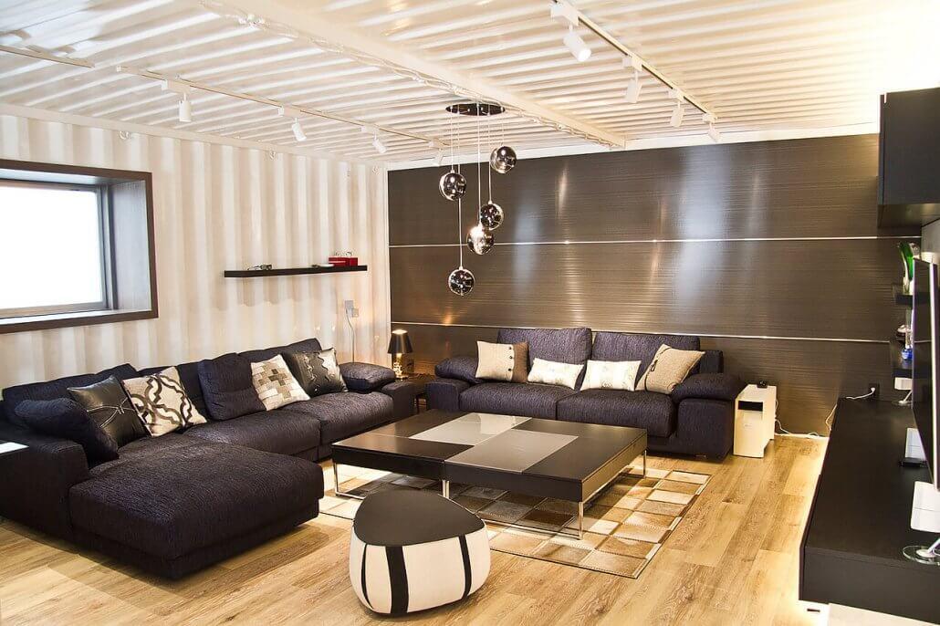 オシャレな事務所型コンテナハウス(オフィス利用)広々とした空間