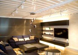 オシャレな事務所型コンテナハウス(オフィス利用) 間接照明がオシャレ