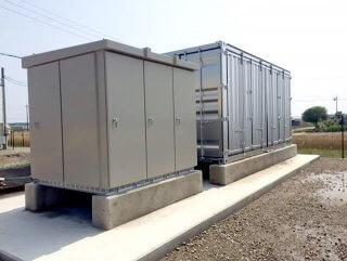 太陽光発電の保管庫としてのコンテナとパワーコンディショナー