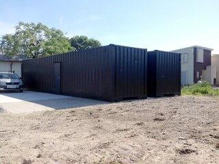 40フィートコンテナ2本を使った倉庫型コンテナハウス全景