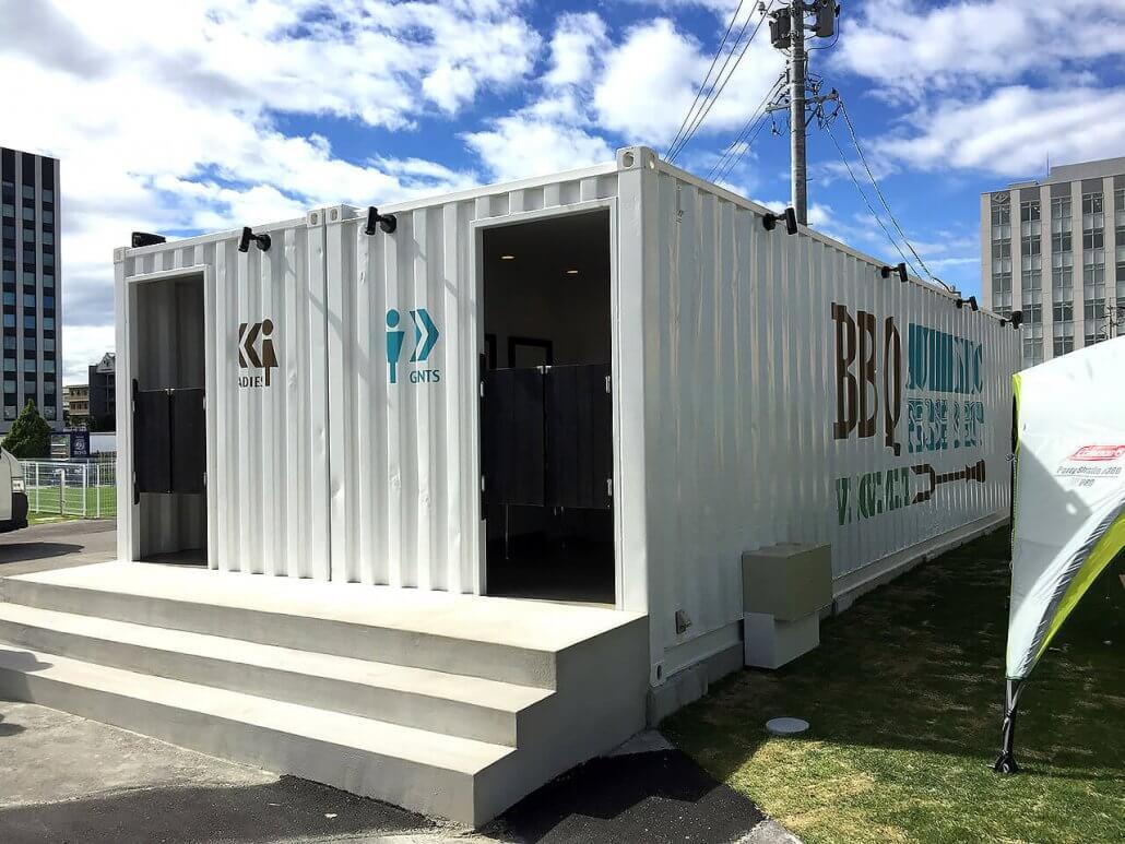 40フィートコンテナ×2連結のコンテナで作ったトイレ