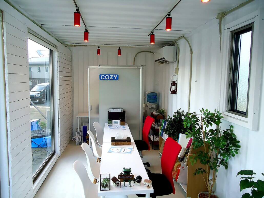 移動式事務所型コンテナハウス(コンテナオフィス)中の様子2