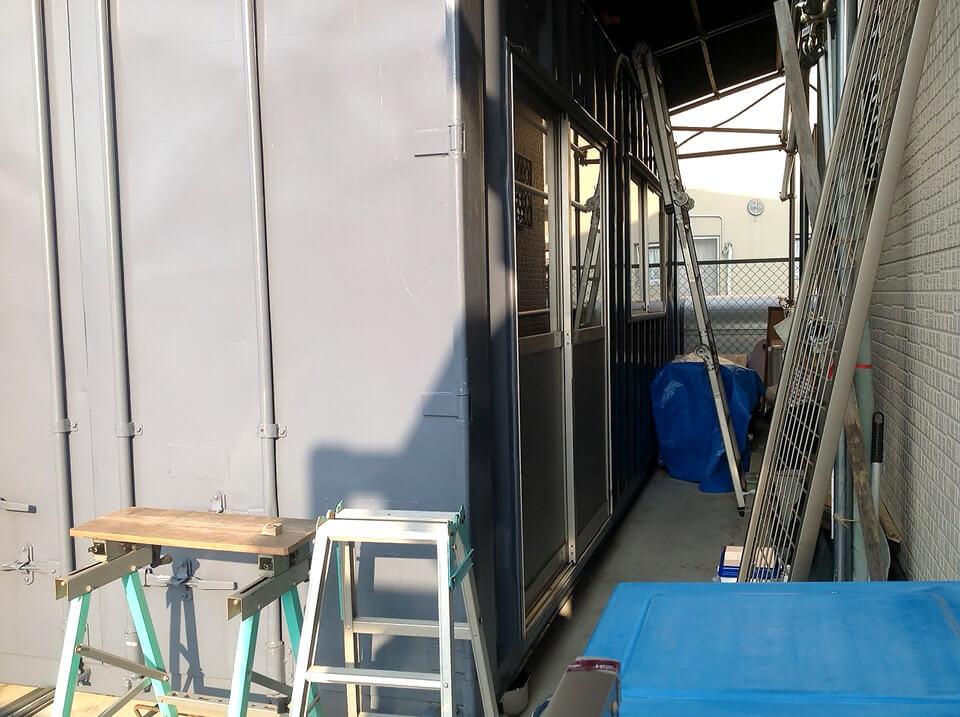 自宅用にコンテナ倉庫(物置き)の入り口