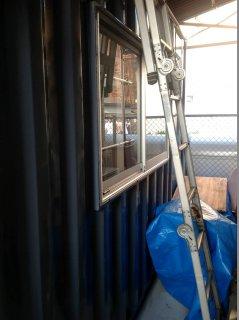 自宅用にコンテナ倉庫(物置き)窓