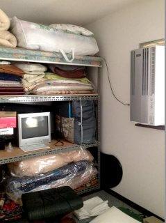 自宅用にコンテナ倉庫(物置き) エアコンとテレビ設置