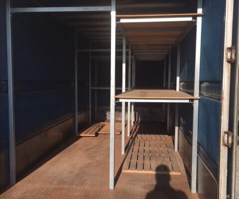 販売商品 トラック箱内部の棚