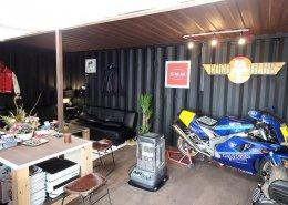 オシャレなバイク店舗型コンテナハウス 中の様子