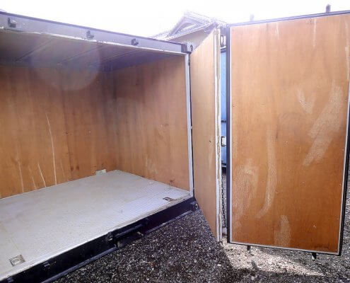 特殊サイズ中古コンテナフルサイドオープン 扉を開いた時2