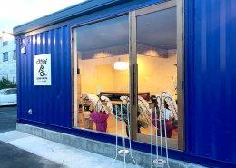 岐阜県海津市のおさかな舎様 40フィートコンテナ3連結飲食店型コンテナハウス大きな窓と引き戸