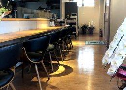岐阜県海津市のおさかな舎様 40フィートコンテナ3連結飲食店型コンテナハウス 奥への通路