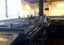 岐阜県海津市のおさかな舎様 40フィートコンテナ3連結飲食店型コンテナハウス キッチン内の様子