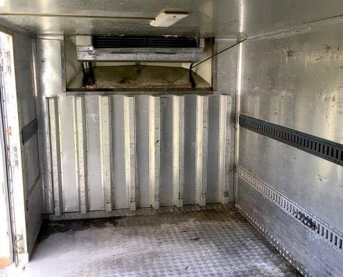 中古トラック箱D4500 中の様子