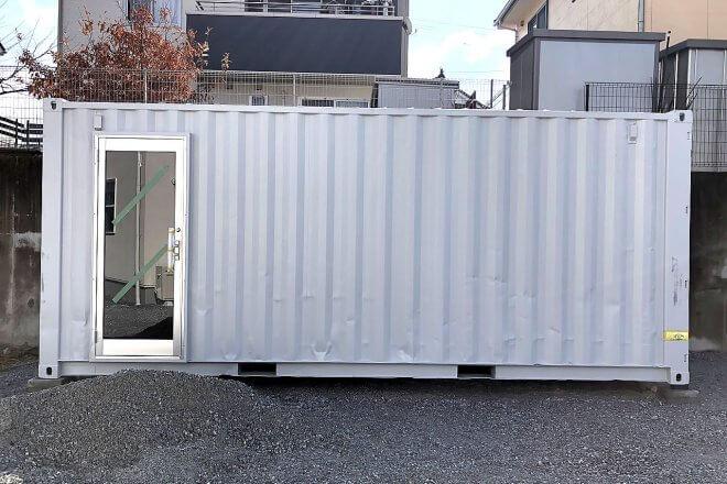 ご自宅の庭に事務所兼倉庫としてコンテナ設置