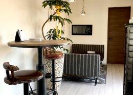 cafeのようなオシャレな空間の事務所型コンテナハウス 内装