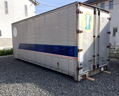 トラック箱L6300 スチール製棚付き 全景