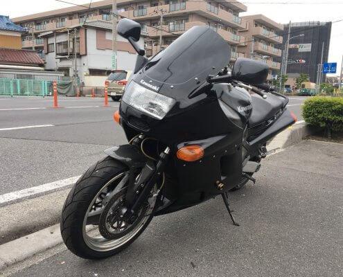 Kawasaki(カワサキ) ZZR1100 前面2