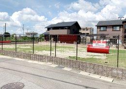 コンテナハウスでつくるプール付きドッグラン&カフェの店舗兼犬舎 全景2