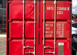 自分だけの趣味空間・中古コンテナで作るホビールーム(長野県岡谷市) 観音扉