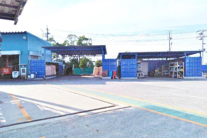 広い敷地を使った屋根付きコンテナ倉庫(愛知県半田市)