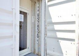 美容室コンテナハウスWHITE 入り口2