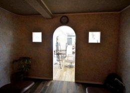 美容室コンテナハウスWHITE シャンプーエリアからの画