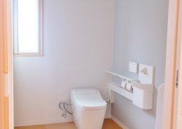 コンテナハウス(住宅)内観 洗面所トイレ2