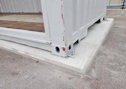 40フィートハイキューブのシャッター付倉庫 固定状況1