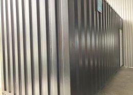 倉庫内に新品コンテナで事務所を設置 側面