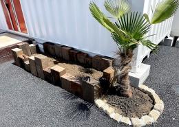 コンテナハウスでFM放送局スタジオを施工・設置(長野県塩尻市)鉢植え