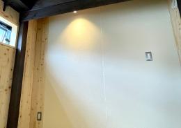 DIYで進化が止まらない、ずっと未完成の「プライベートスタジオコンテナ」(長野県上伊那郡) 内観5