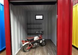 バイクガレージ用コンテナ(赤)・棚付き【20210831-③】