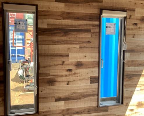 テレワークスペース用コンテナハウス(ベージュ)塗装済み 縦窓2